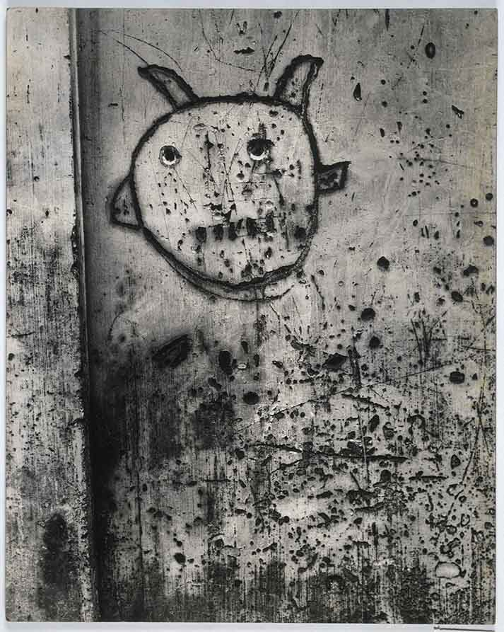 Brassai - Graffiti- Free Photography Exhibition at Centre Pompidou, Paris | Urban Mishmash