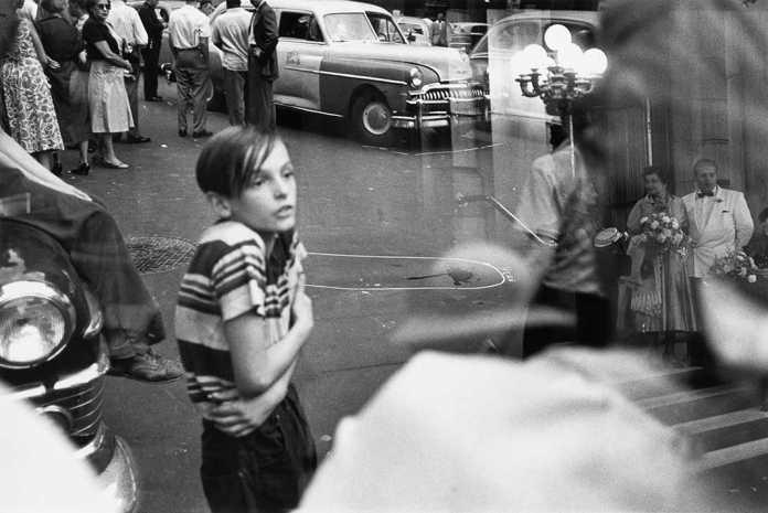 Louis Faurer, Photography Exhibition at Henri Cartier Bresson Foundation Paris | Urban Mishmash