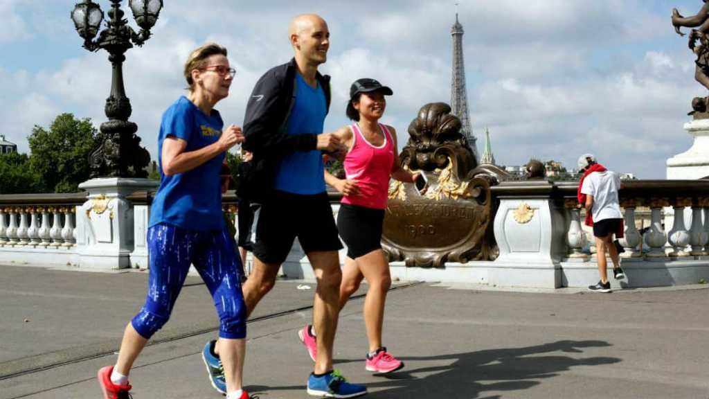 expat-interview-living-in-paris-entrepreneur-free-running-tour-runparis-urban-mishmash-eiffel-tower