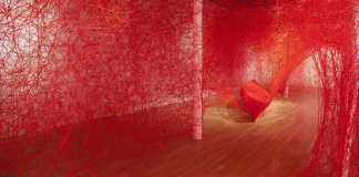 Chiharu Shiota, Destination, 2017. Installation, Free Exhibition in Paris | Urban Mishmash