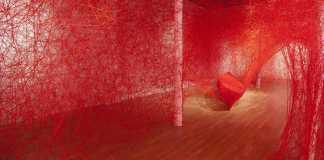 Chiharu Shiota, Destination, 2017. Installation, Free Exhibition in Paris | Urban Mishmash